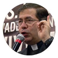 priest-mic